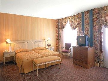 Hotel Royal Manotel - Switzerland - Geneva