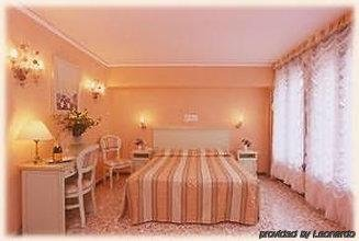 Hotel Firenze - Italy - Venice