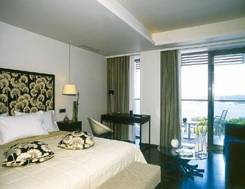 Vouliagmeni Suites (Classical/ 20km from Athens) - Greece - Athens