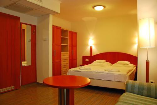 Sz?nyi Garden Hotel Pest - Hungary - Budapest