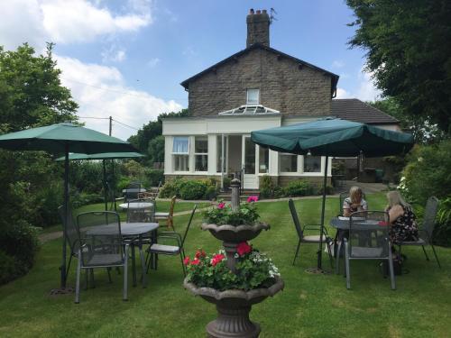 Woodlands Guest House - United Kingdom - Manchester