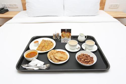 OYO 10008 Hotel Golden Tree - India - New Delhi
