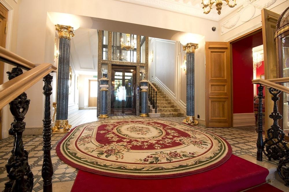 TREZZINI PALACE - Russian Federation - St. Petersburg