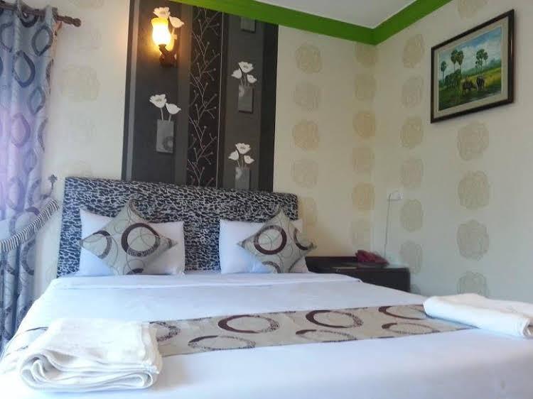 New Castle Hotel 2 - Cambodia - Phnom Penh