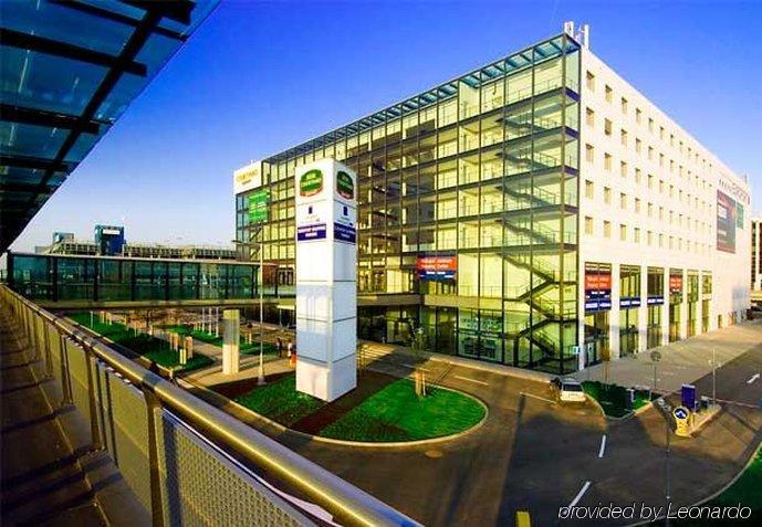 Courtyard By Marriott Airport Hotel - Czech Republic - Prague