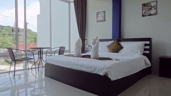 BUT DIFFERENT HOTEL - Thailand - Phuket