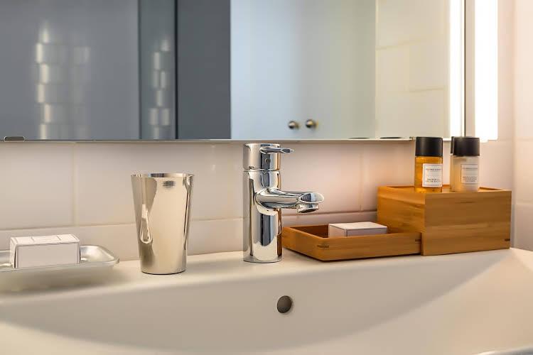 Rambla - 1 BR Suite & Pool 2nd Floor - HOA 42153 - Spain - Barcelona