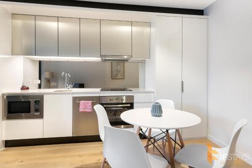 IFSTAYS Serviced Apartment Upper West Side at CBD - Australia - Melbourne