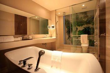 Graceland Resort - Thailand - Phuket